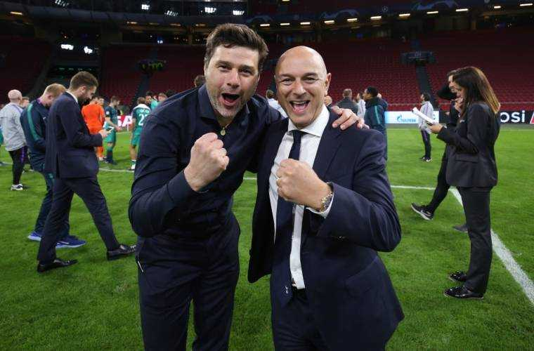 AMSTERDAM, THE NETHERLANDS - MAY 08: Mauricio Pochettino, manager of Tottenham Hotspur and chairman Daniel Levy celebrate during the Champions League semi final second leg match between Ajax and Tottenham Hotspur at the Johan Cruyff Arena on May 08, 2019 in Amsterdam, the Netherlands.  (Photo by Tottenham Hotspur FC via Getty Images)